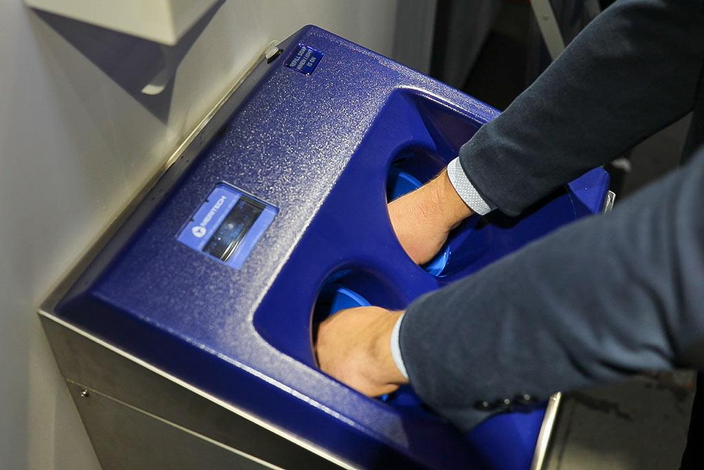 Meritech podczas automatycznego bezdotykowego mycia rąk