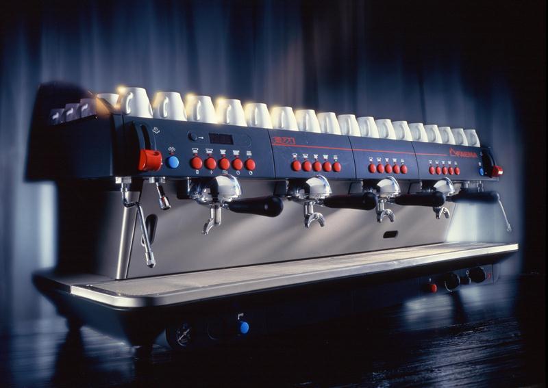 Faema E71 - profesjonalny ekspres do kawiarni ciśnieniowy