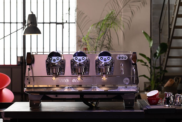 Faema President - profesjonalny ekspres do kawy ciśnieniowy