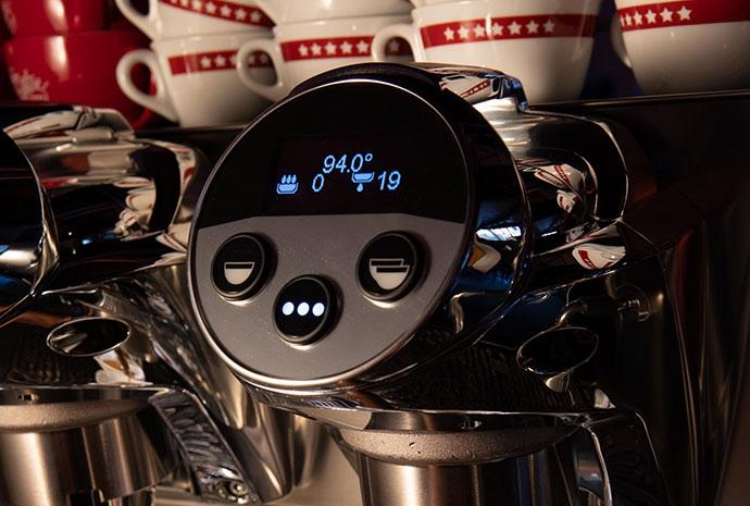 Wybór systemu termicznego w profesjonalnym ekspresie do kawy Faema Prestige