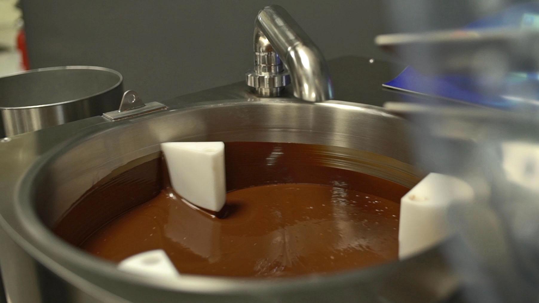 Konszowanie czekolady Selmi